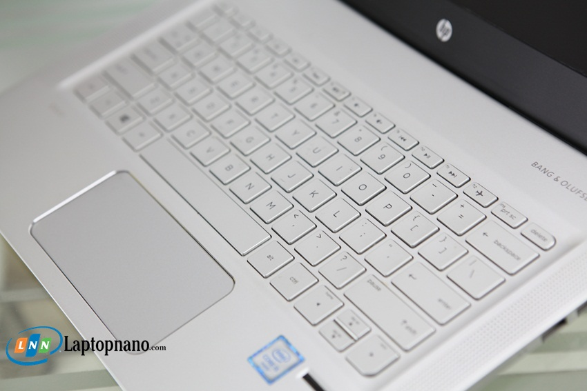 HP Envy NoteBook 13-d044TU