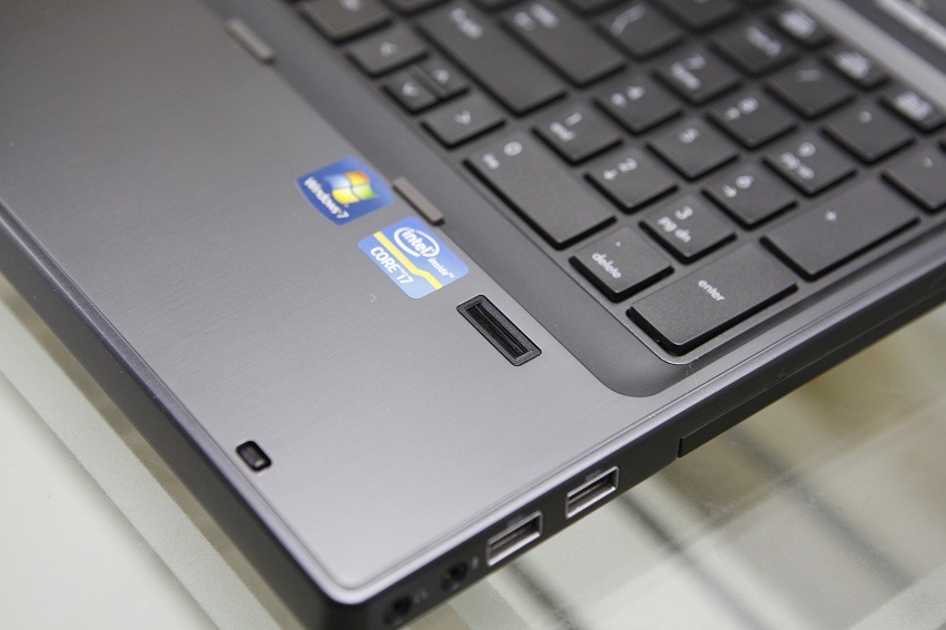 HP ELITEBOOK 8560W-2