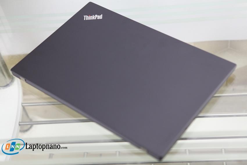 Lenovo ThinkPad X1 Carbon Gen 5-4