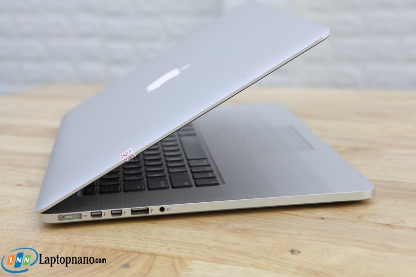 MacBook Pro (Retina, 15-inch, Mid 2012, MC975)