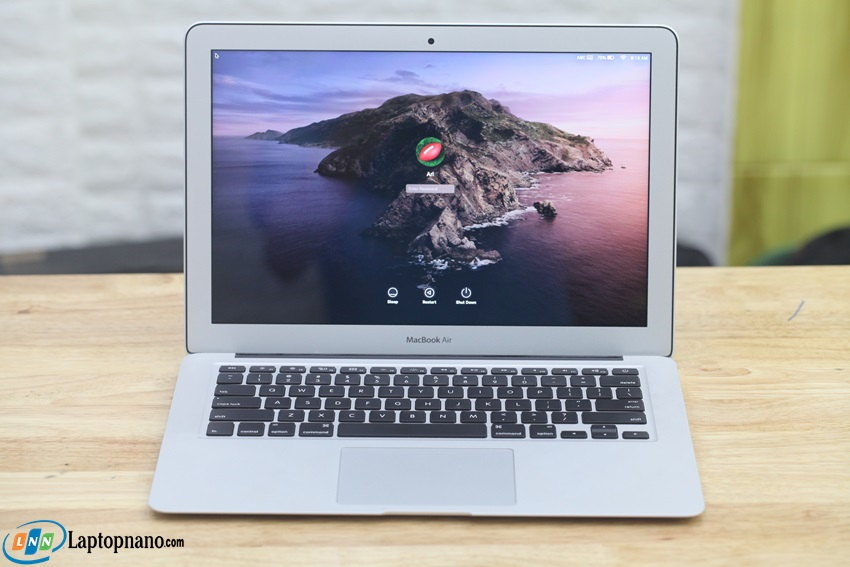 MacBook Air (13-inch, 2017-MQD32)