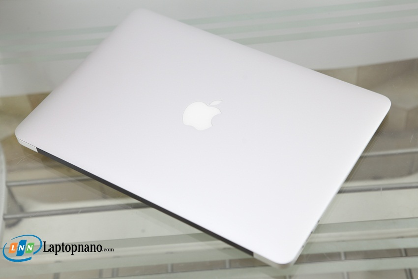 MacBook Air (13-inch, Mid 2013)-2