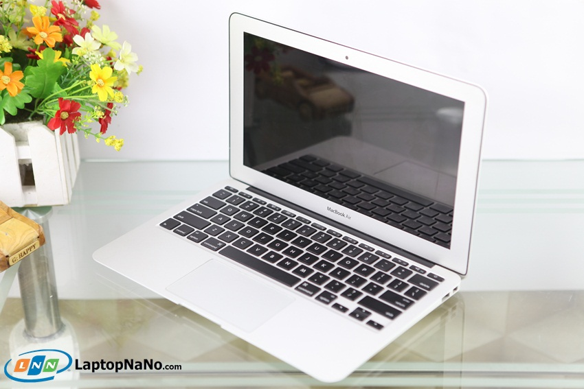 MacBook Air (11-inch Mid 2011, MC968)