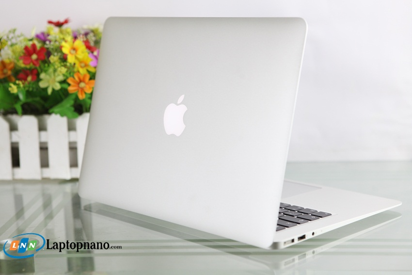 MacBook Air MD846-6
