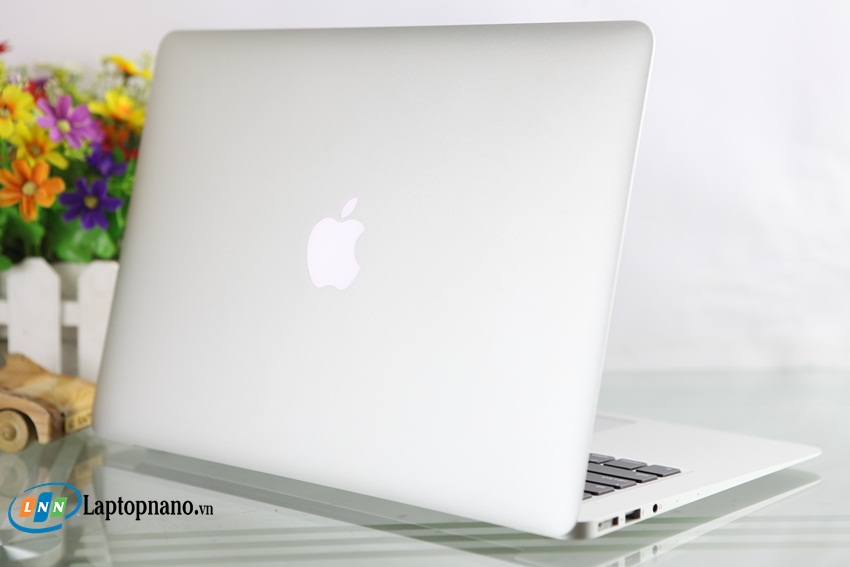 MacBook Air MJVE2-5